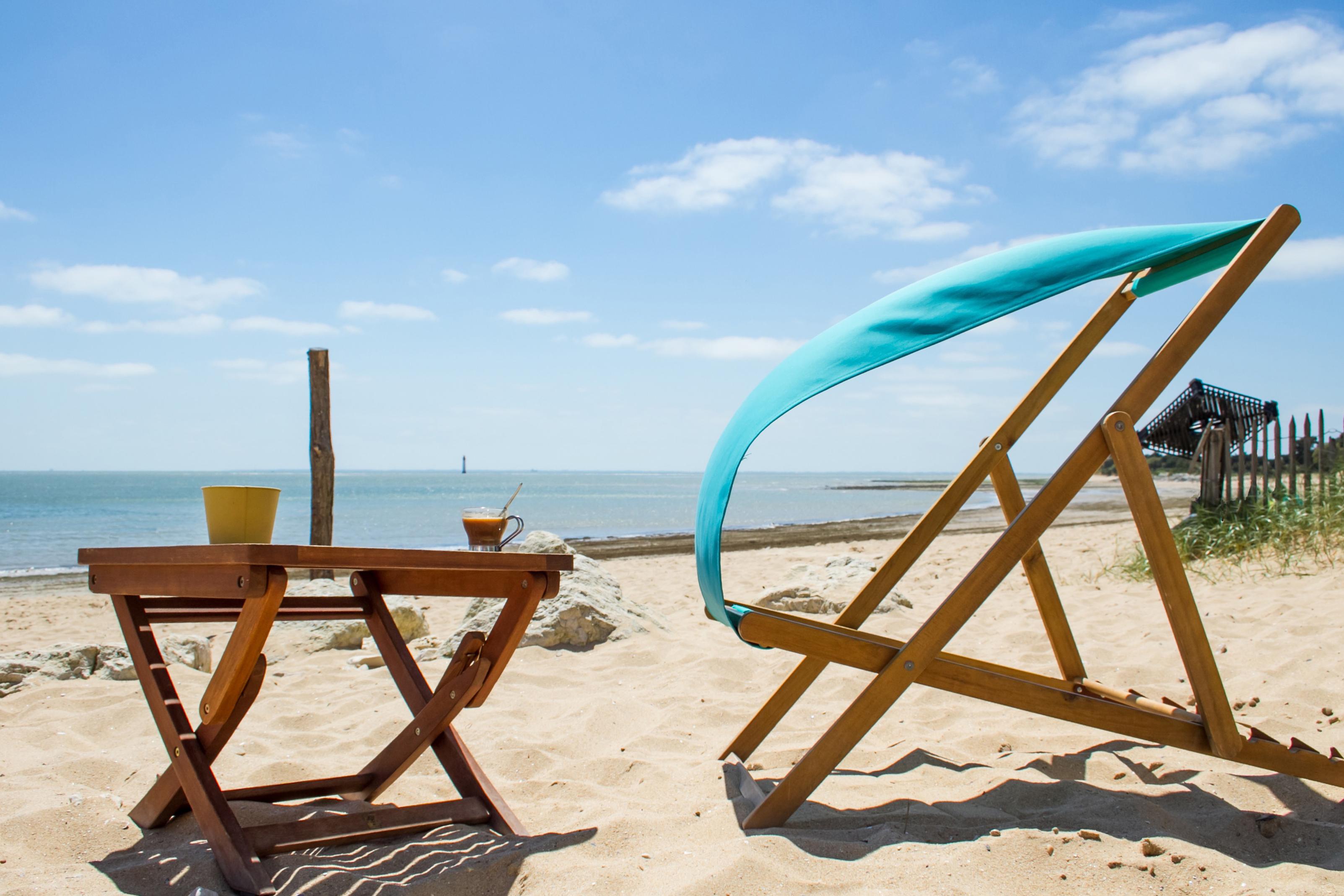 Slide2 - Cantine à la plage